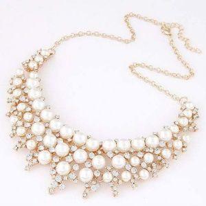 Pearl & rhinestone inlaid fashion necklace